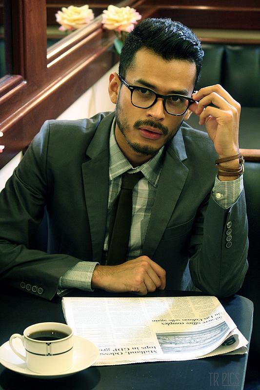 Fashion Report: Men's Fall 2013 Eyewear Trends