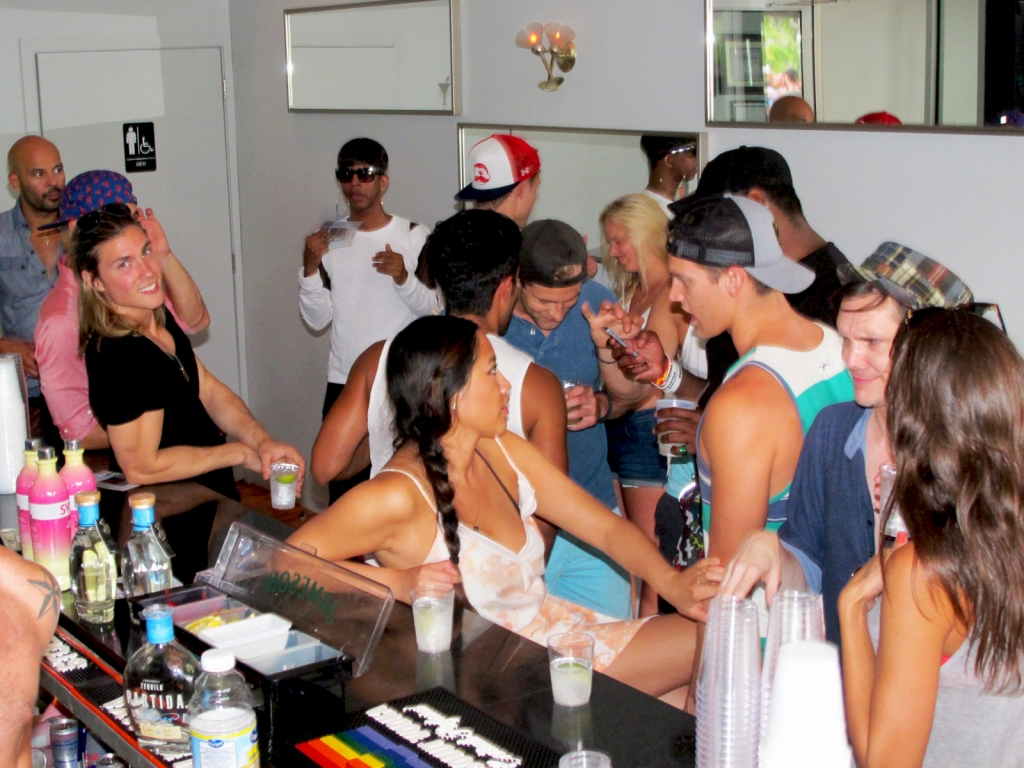 Manchic Exclusive: Chad White Birthday Blowout