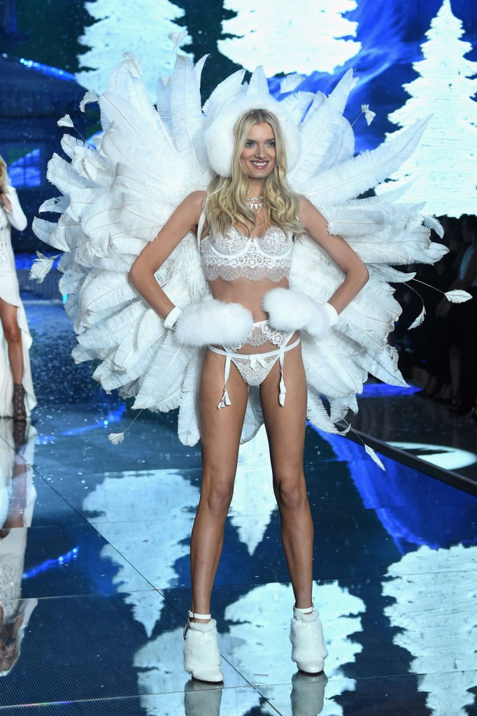 23 Awesome Wings From The Victoria's Secret Fashion Show 2015   - Getty Images 23 Awesome Wings From The Victoria's Secret Fashion Show 2015   - Getty Images 23 Awesome Wings From The Victoria's Secret Fashion Show 2015   - Getty Images