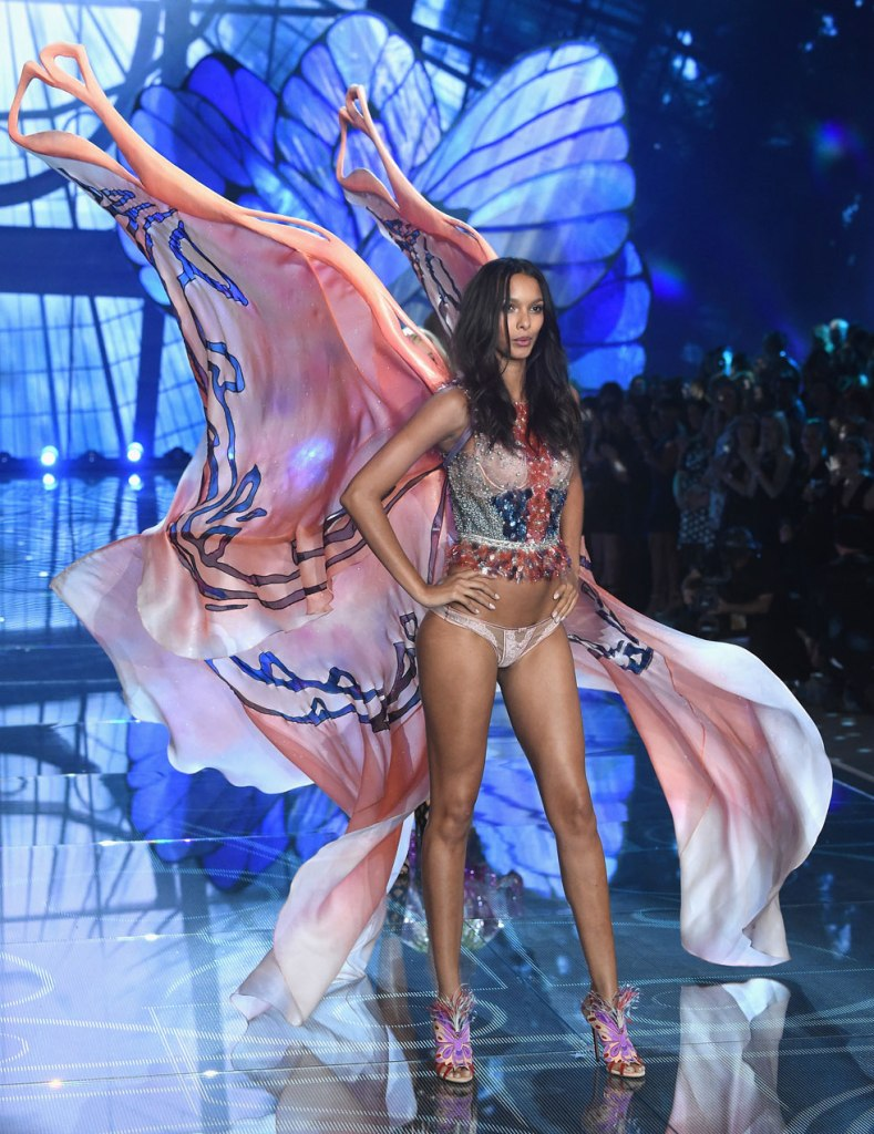 23 Awesome Wings From The Victoria's Secret Fashion Show 2015   - Getty Images 23 Awesome Wings From The Victoria's Secret Fashion Show 2015   - Getty Images