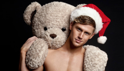13 Super Hot Santas I Want For Christmas
